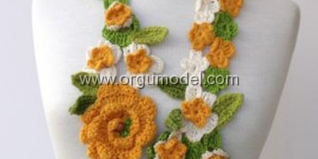 Rengarenk Çiçekli Fular Modeli