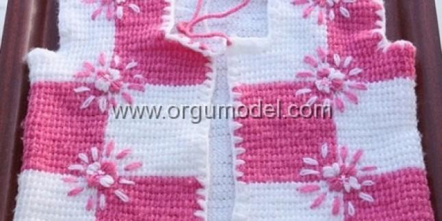 Tunus İşi Kare Desenli Bebek Yeleği Modeli