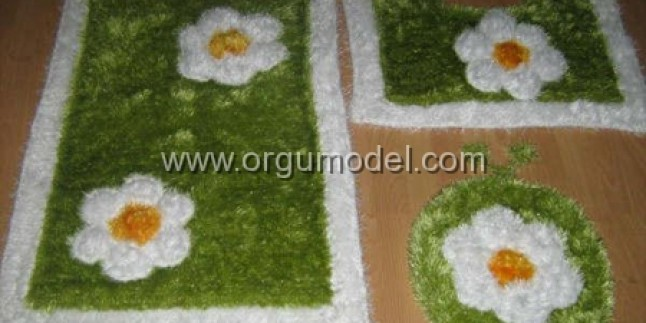 Sakallı İpten Çiçekli Banyo Takımı
